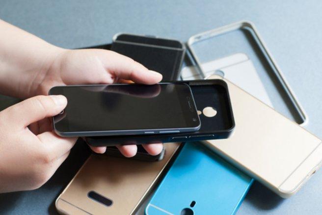 Des coques pour smartphone dangereuses ont été retirée du marché - © Shutterstock