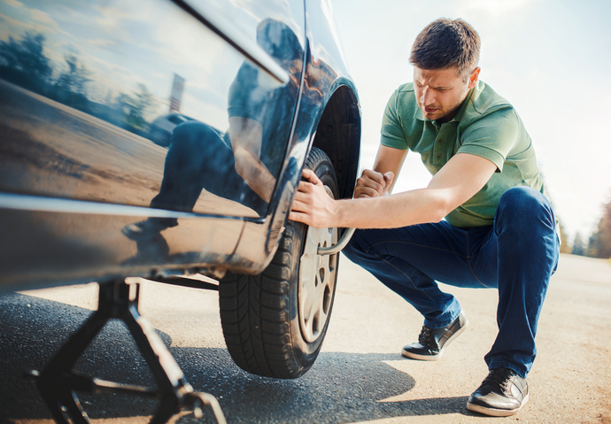 catalogne arnaque voiture pneu creve